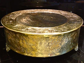 """18"""" gold round wedding cake stand for hire"""