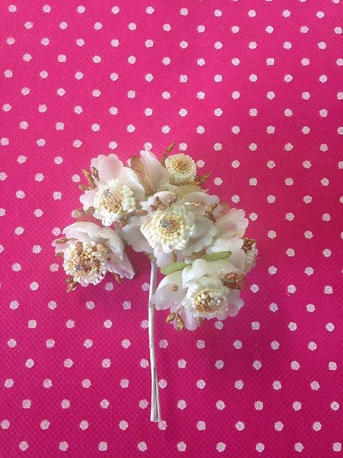 Cvjetovi od različitog materijala