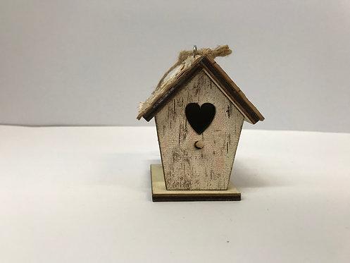 Drvena kućica za ptice