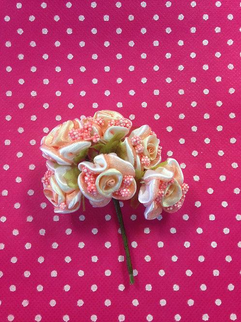 Svlene ružice sa bobicama