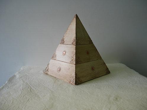 Ukrasna kutija piramida velika