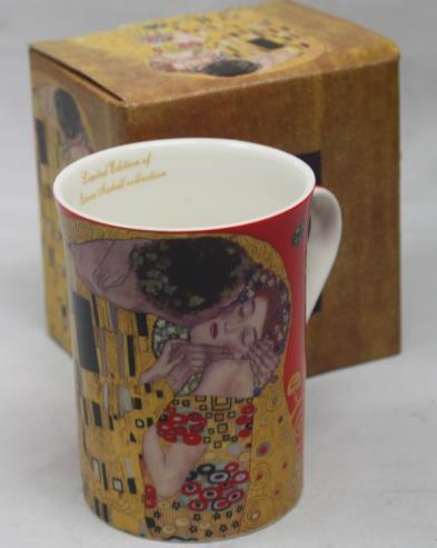 Crvena Klimt šalica u kutiji