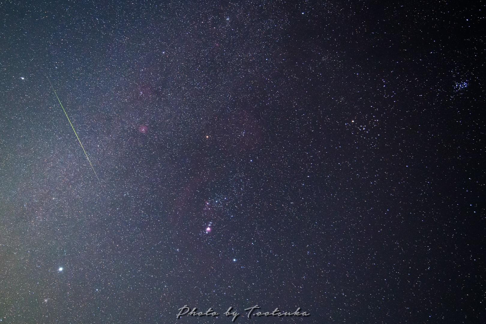 冬の大三角に流れ星