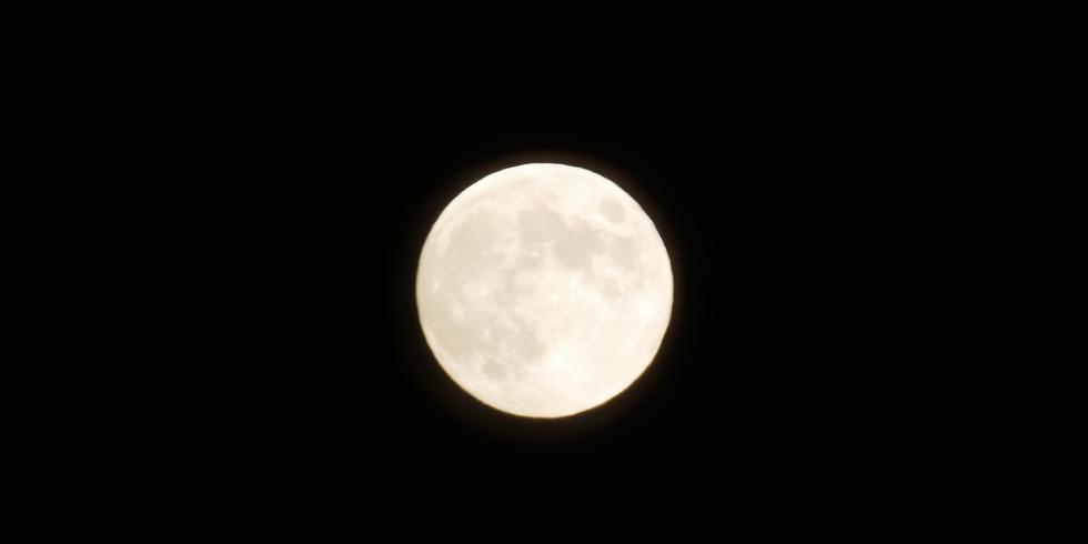 La lune s'attristait