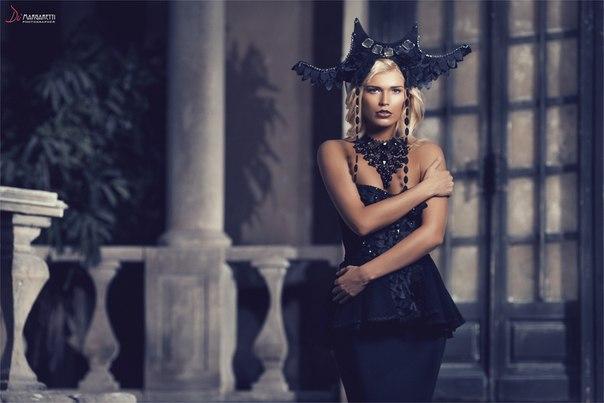 Black Diamond шоу в черных костюмах