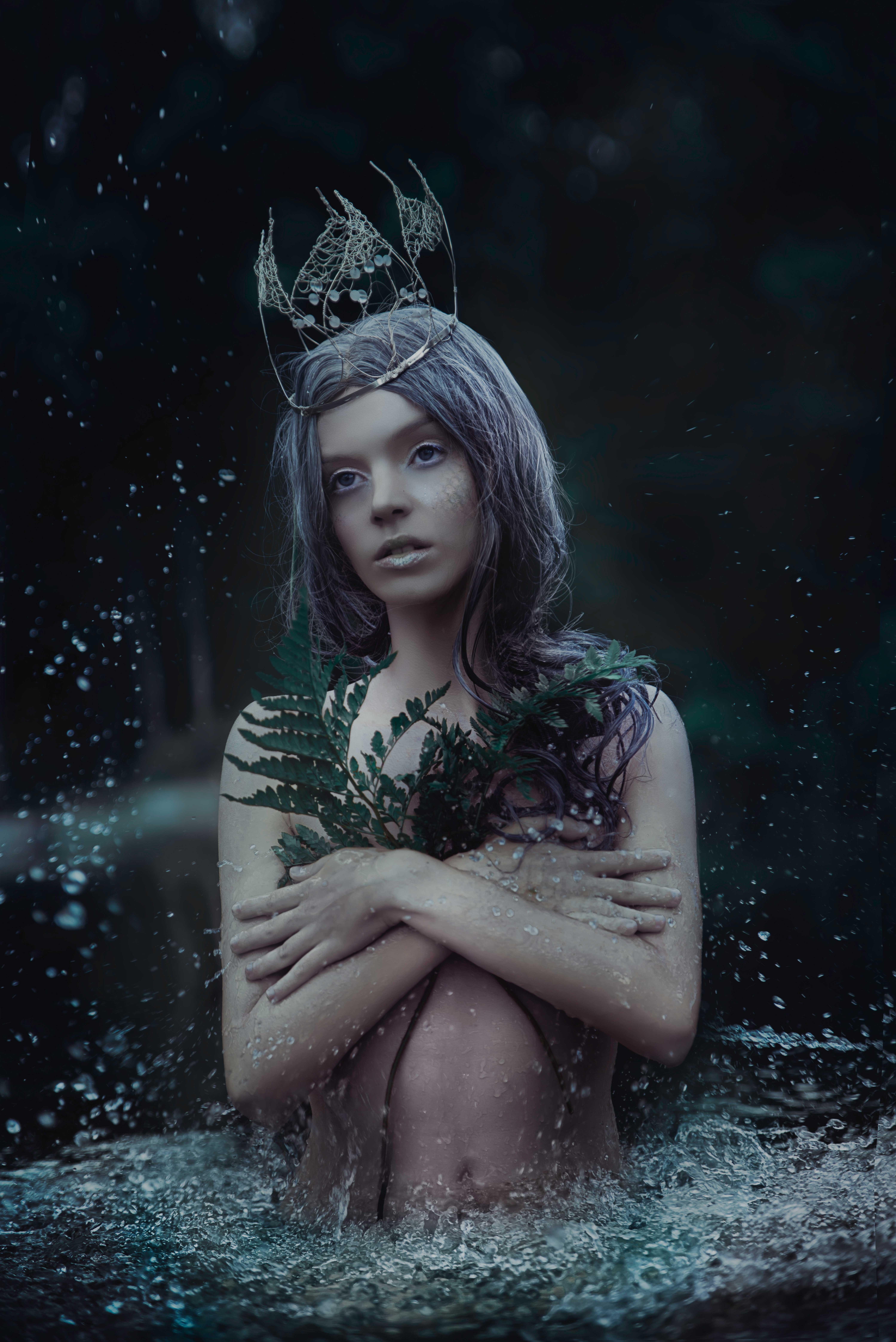 ANDREEA ZAMFIRESCU_MYTHOLOGIA_NO7_LR