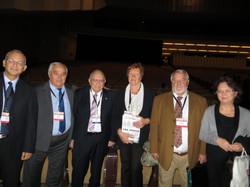 תמונה קבוצתית משמאל לימין