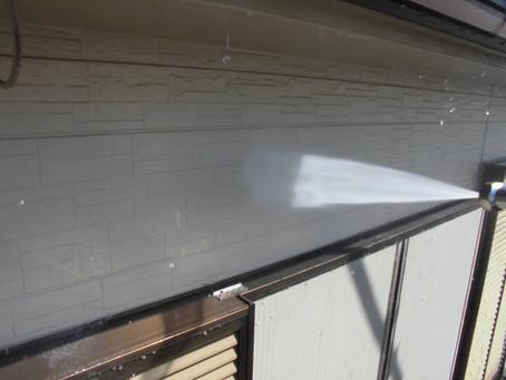 ふじみ野市で外壁屋根塗装工事が始まりました!!