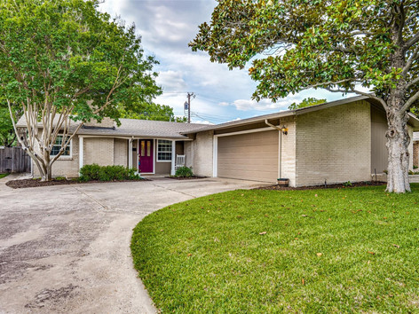 918 Meadow View