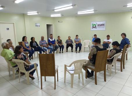 Moradores realizam reunião com a Polícia Militar