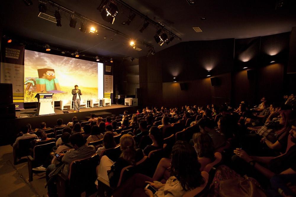 Palestra no MIS para o Social Media Week com Juliano Kimura