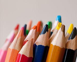 colored-pencils-selective-focus-photogra