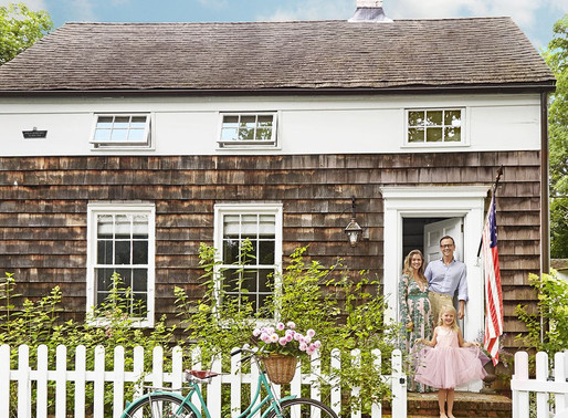 Home Tour: Three-Centuries-Old Saltbox Home In the Hamptons