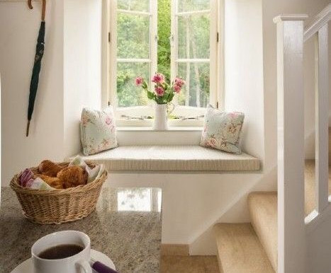 Home Decor: A Cosy Window