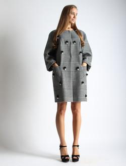 Пальто-кокон с жемчугом