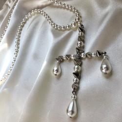 Крест из жемчуга с шипами