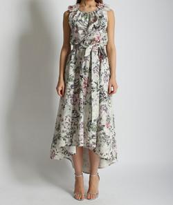 Платье со шлейфом и цветами