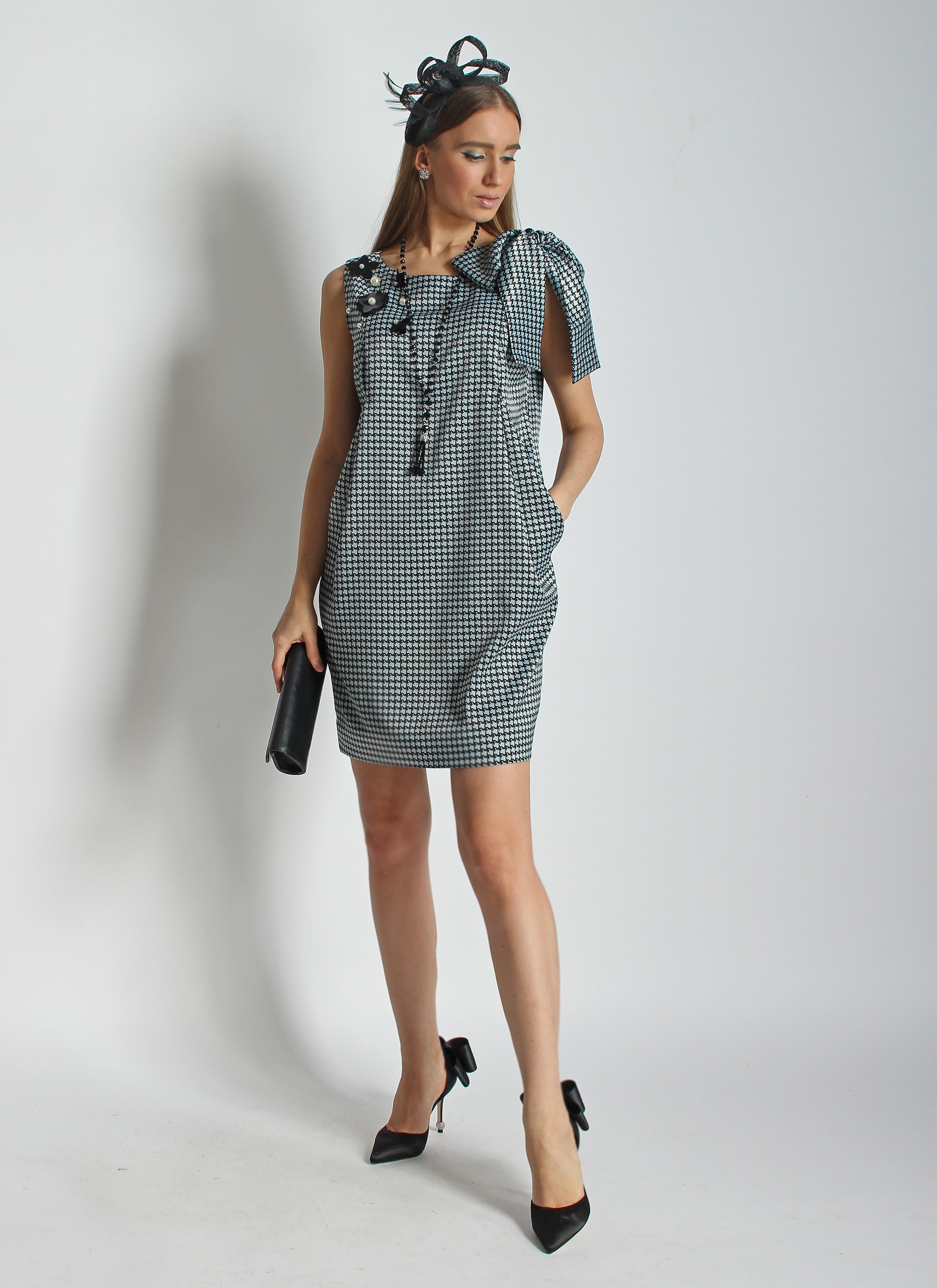 Платье из шелка с бантом