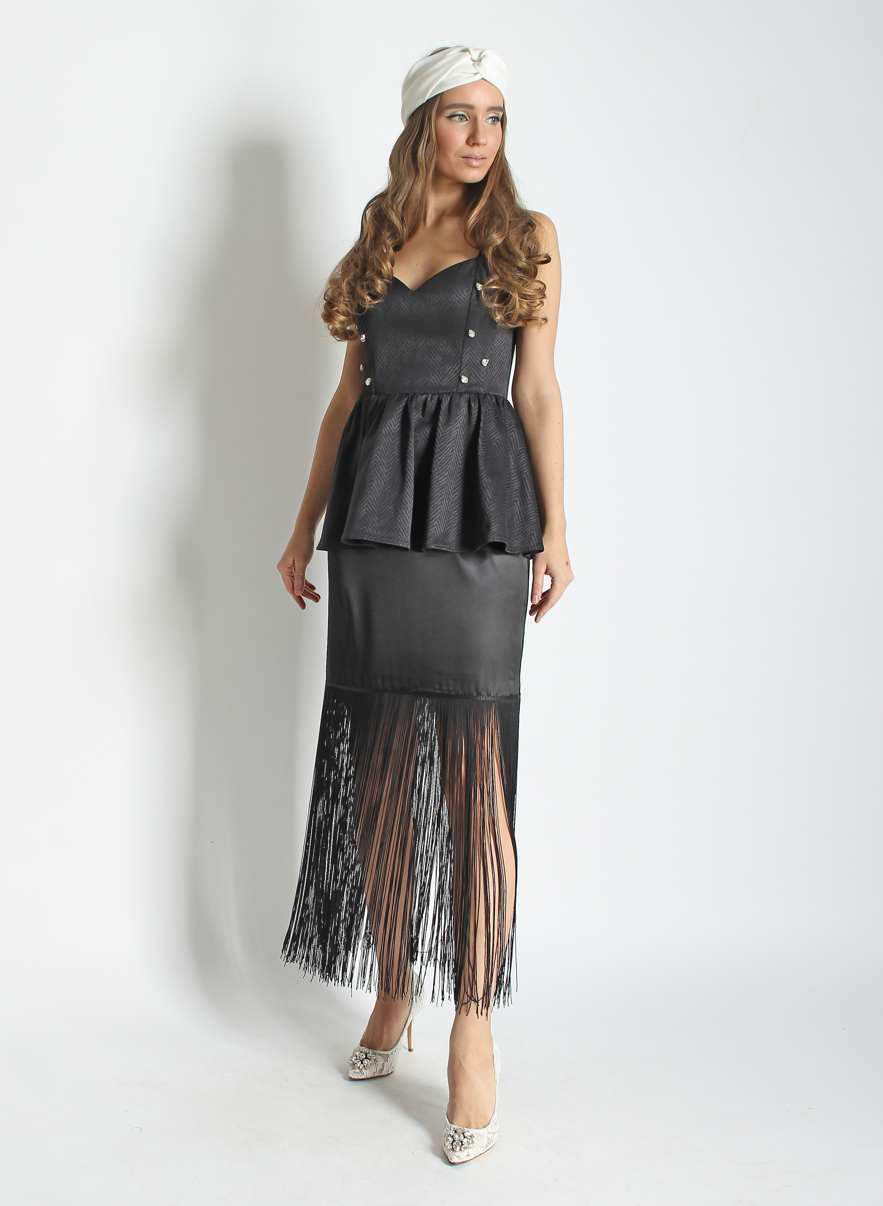 Корсет и юбка с бахромой