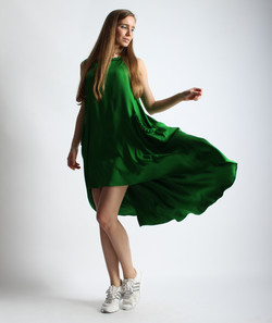 Платье с косичками