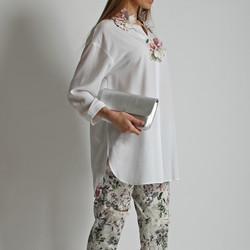 Блуза с цветами ручной работы