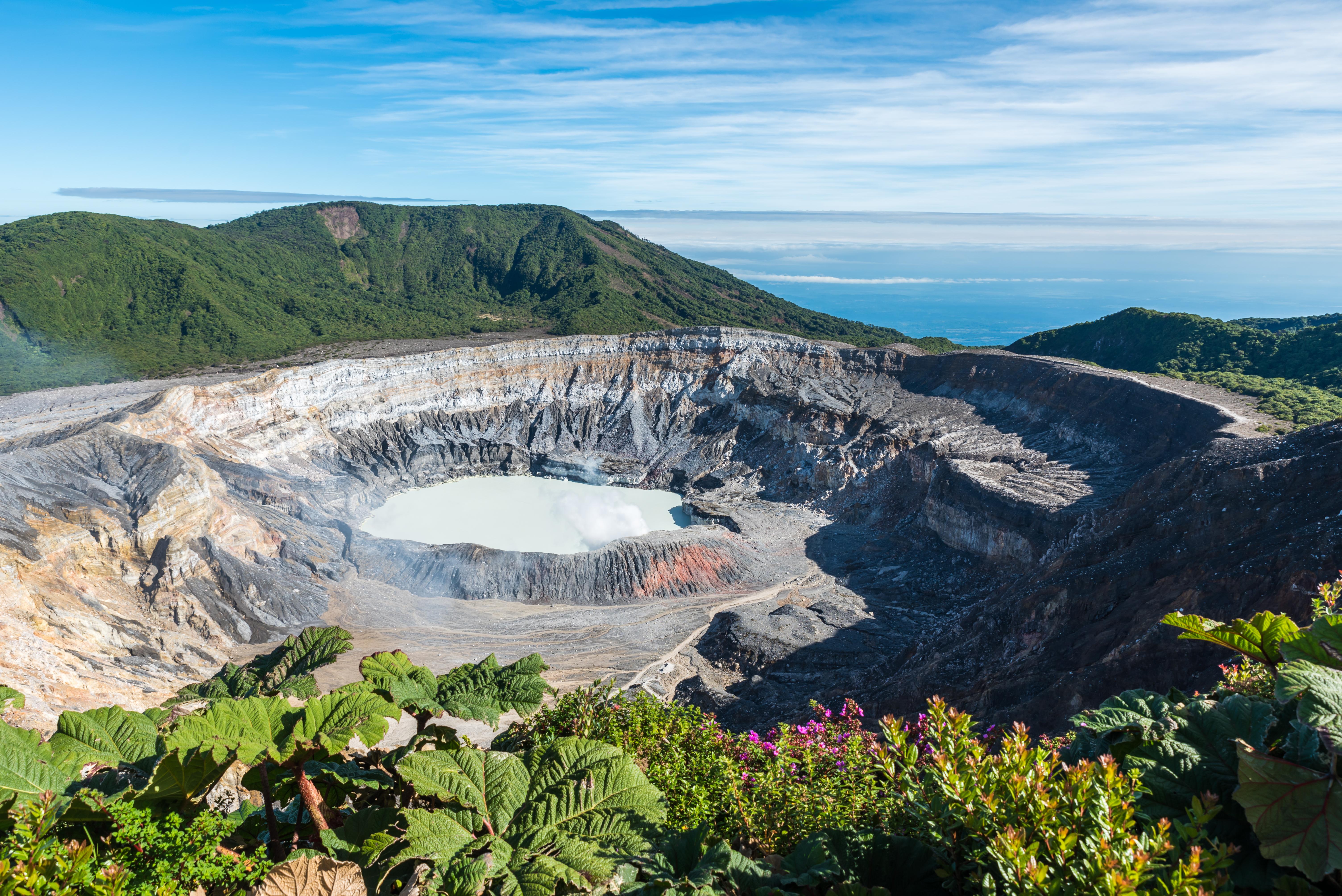 Vulcano-Poas-in-Costa-Rica-508028858_6016x4016