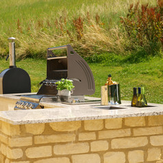 Breakfast Bar in Natural Stone with Side Burner & Double Sink