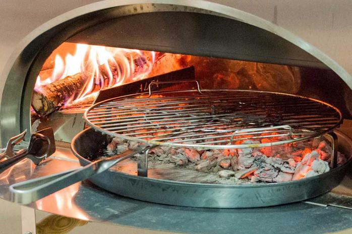 BBQ 500 with hot coals.jpg