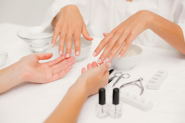 Basis Manicure