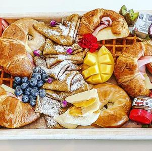 Large Breakfast Box $150