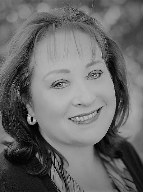 Kathy Headshot.jpg