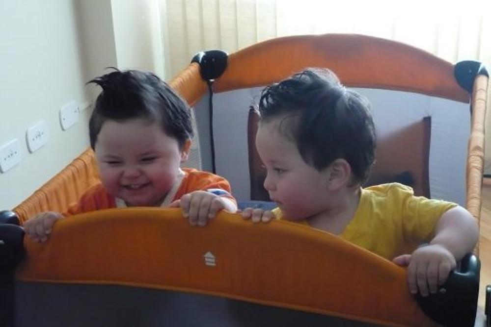Os gêmeos Nil, à esquerda, e Alex (arquivo pessoal)