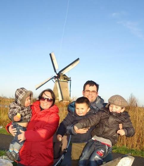 A linda família da Shirlene na Holanda (arquivo pessoal)
