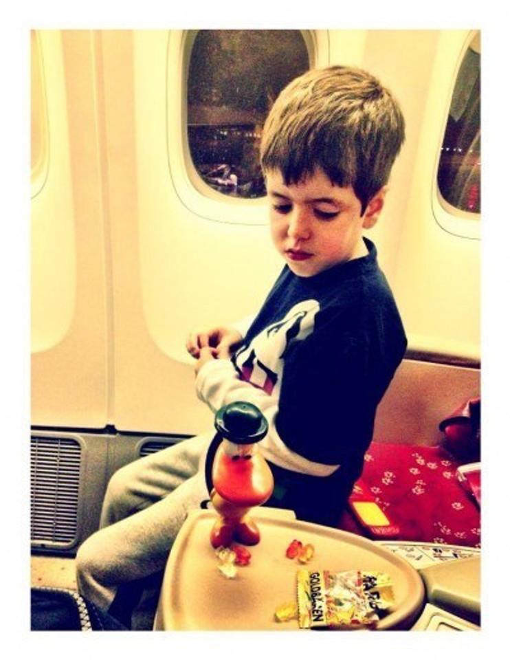 Theo e Pato (RIP) embarcados no avião