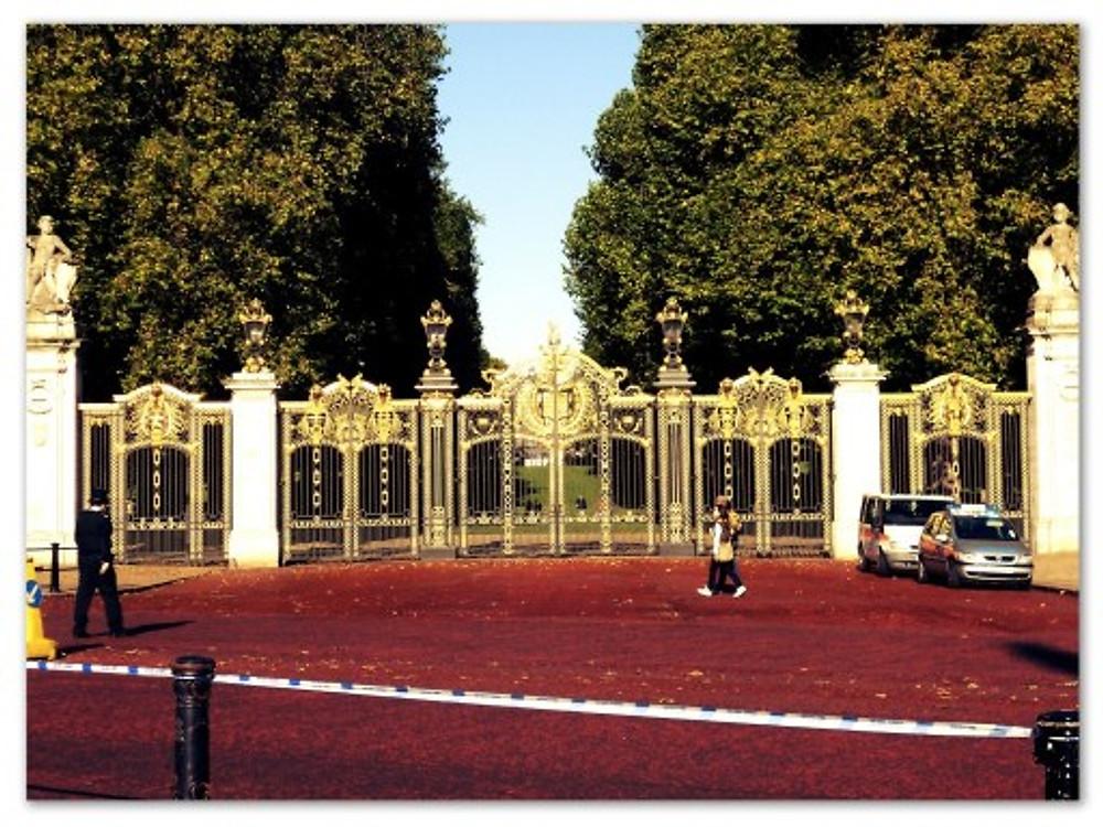 Os portões do Palácio de Buckingham (arquivo pessoal)