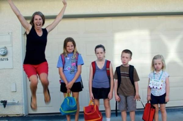 Esta foto sensacional ilustra perfeitamente a volta às aulas das nossas crianças. :)(http://bit.ly/VHJx2y)
