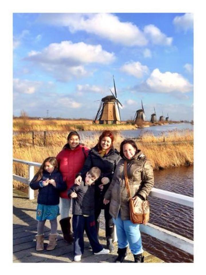 Eu, Michela, Shirlene, Cami, Theo e Nina (na barriga da Shirlene) :)