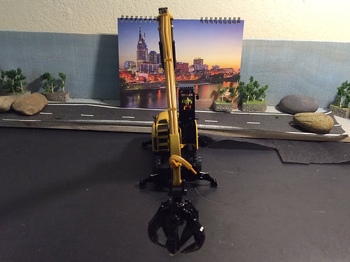 DIECAST MASTERS 1:50 SCALE MH 3049 Material Handler w/Magnet