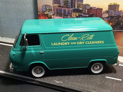 FIRST GEAR 1/25 scale 1960s Ford Econoline Van