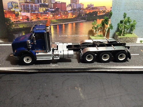 1:50 International HX620 Three Axle Tractor - Cab Only - Blue  71010