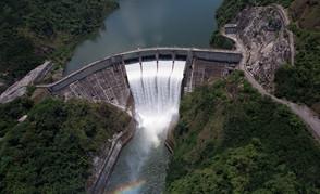 R.D. el país que más crece en América Latina, pero aún sin lo básico, como es el agua potable