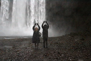 Beyonce-and-Jay-Z-in-Iceland-23.png