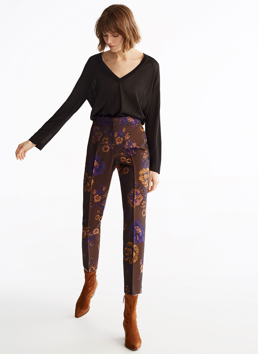 Jacquard trousers, floral effect, Uterque (€62,30)