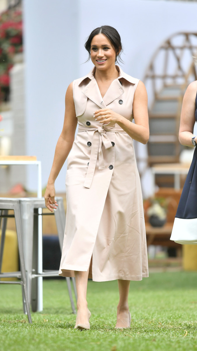 Meghan Markle House of Nonie sleeveless pink trenchcoat