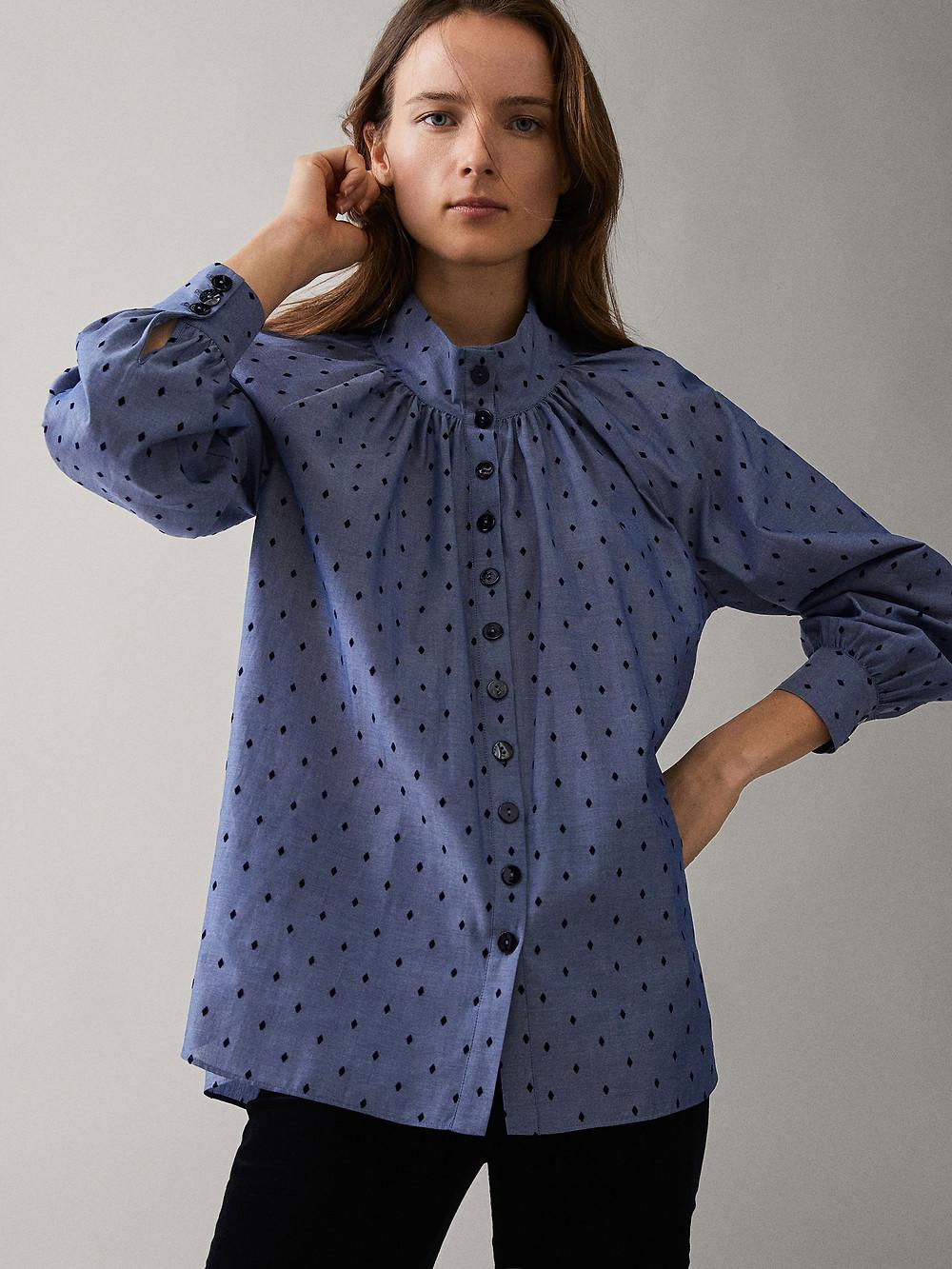 Shirt, Massimo Dutti (€ 29.95)