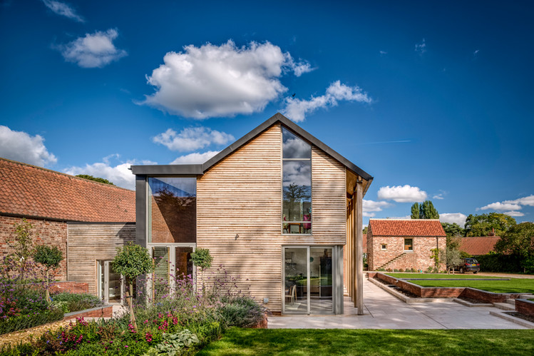 Longhouse in York Contemporary New house