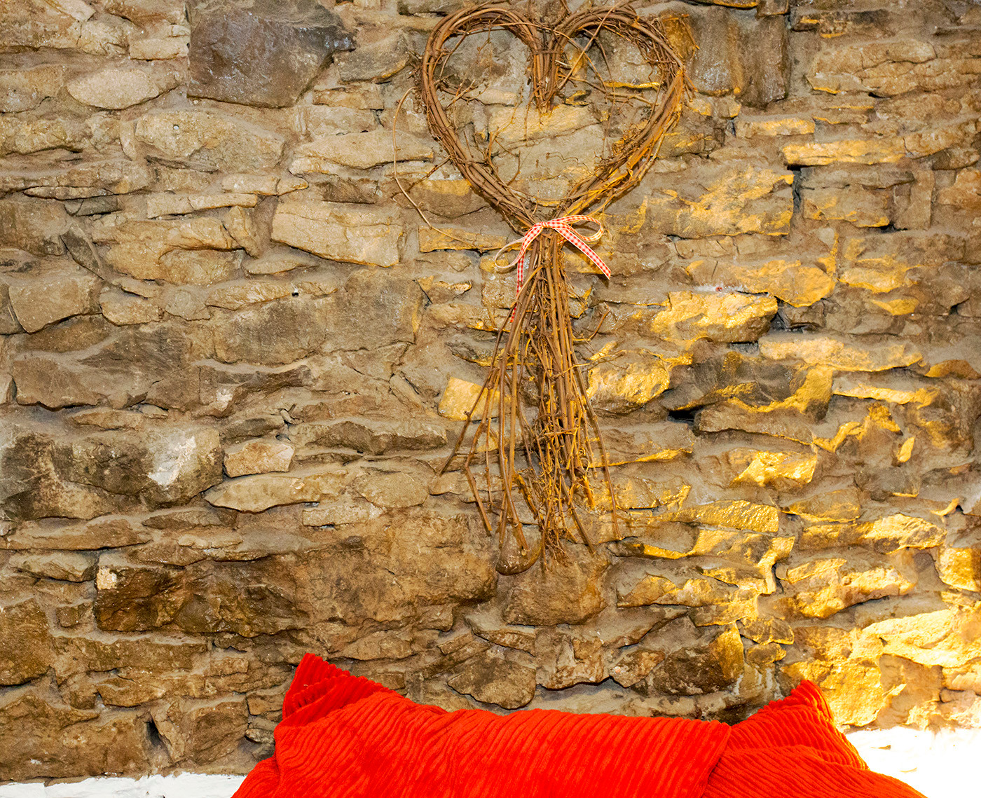 Wicker heart furnishings