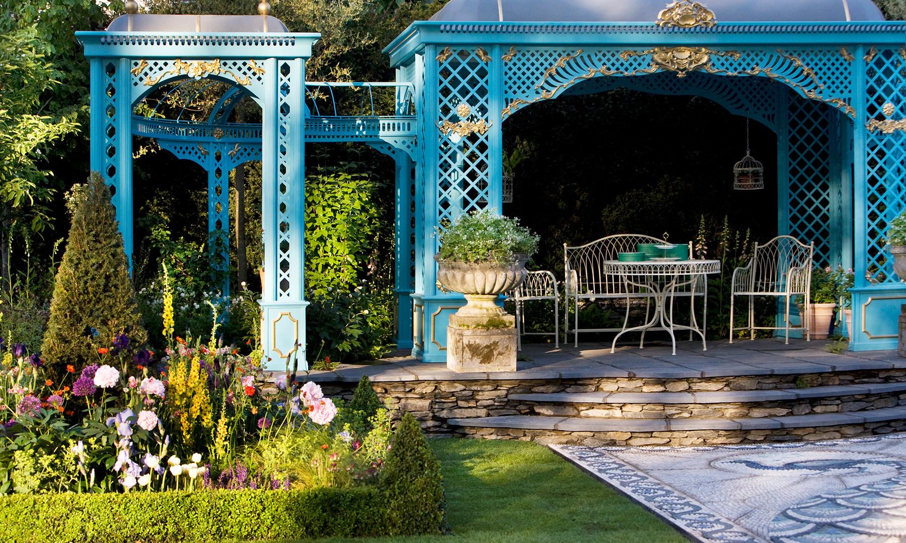 Victorian Aviary Garden