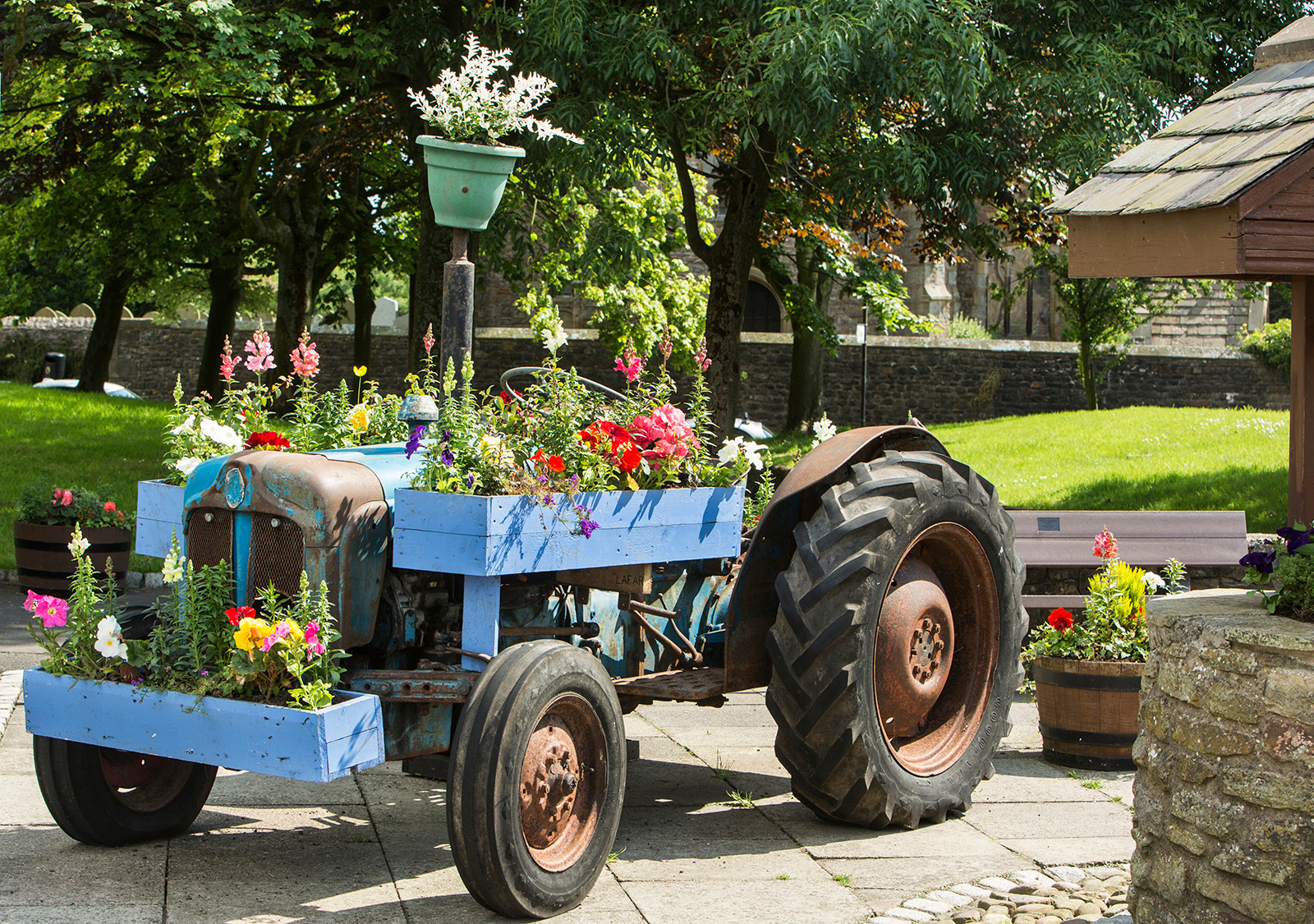 Flowery tractor, Chipping Village