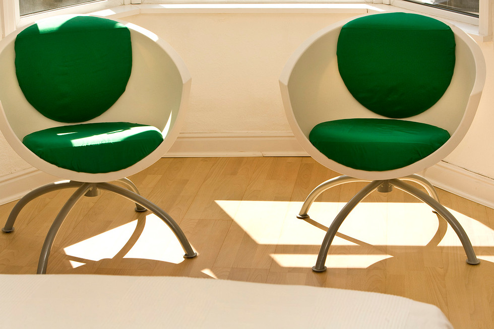 Contemporary bedroom chairs emerald